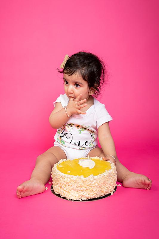 Cake-Smashing-Photography